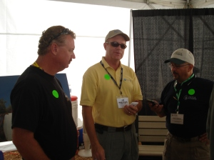 @jacksonfarms @agriblogger and @cornguy catching up at today's tweetup