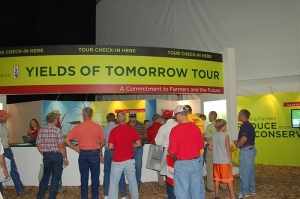 Farmers sign up for Monsanto's Yields of Tomorrow tour during Husker Harvest Days 2009